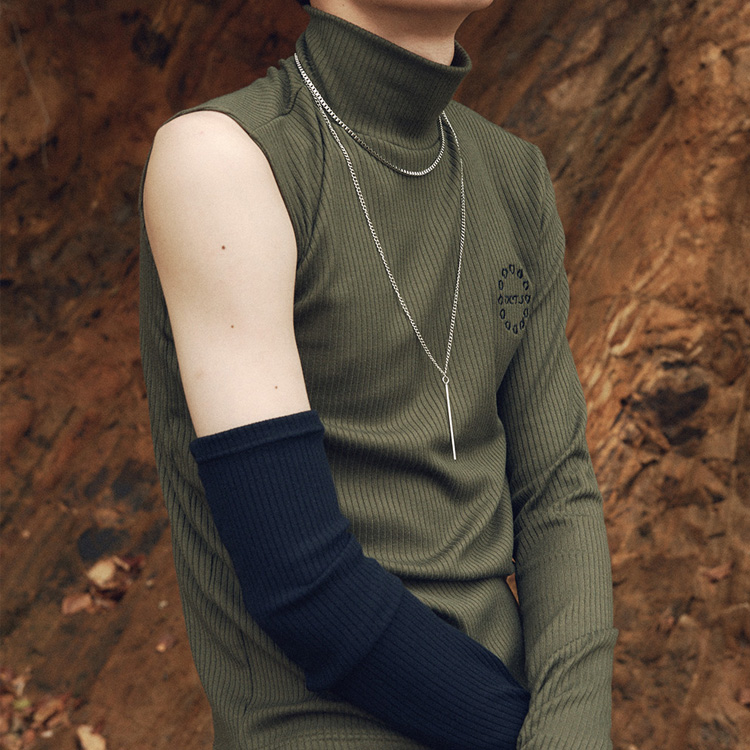 Arm Warmer Turtle Neck - KHAKI/BLACK