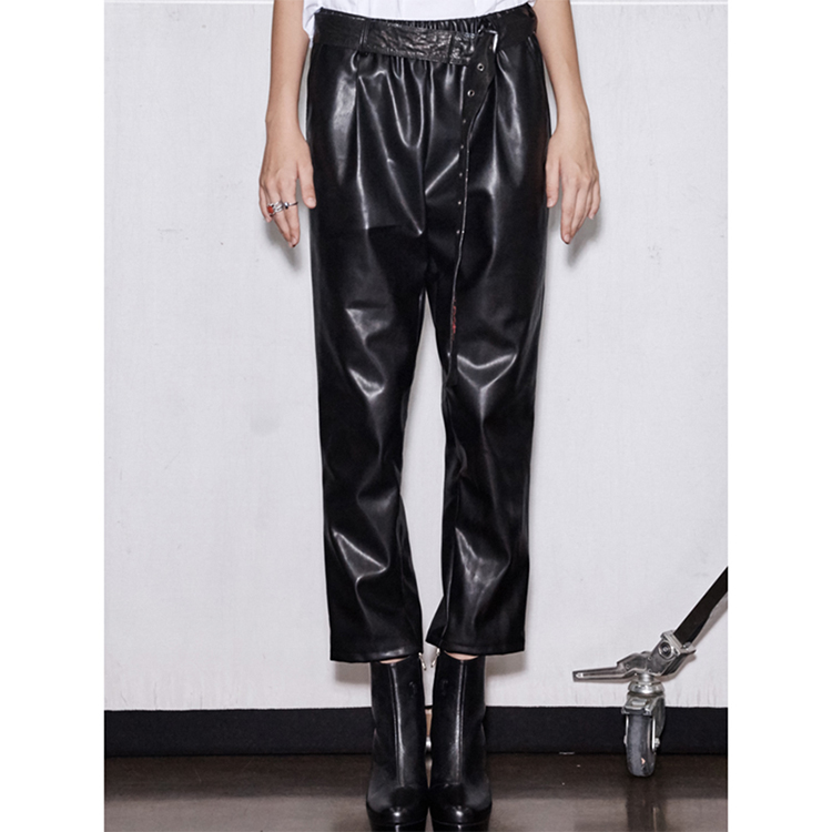 FAUX LEATHER CROP BAGGY PANTS - BLACK