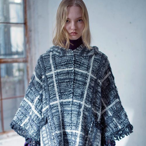 MULTI COLORED PLAID PATTERN WOOL CAPE - GREY