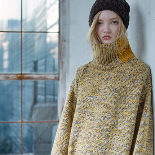 MULTI COLOR BULKY TURTLENECK SWEATER - YELLOW