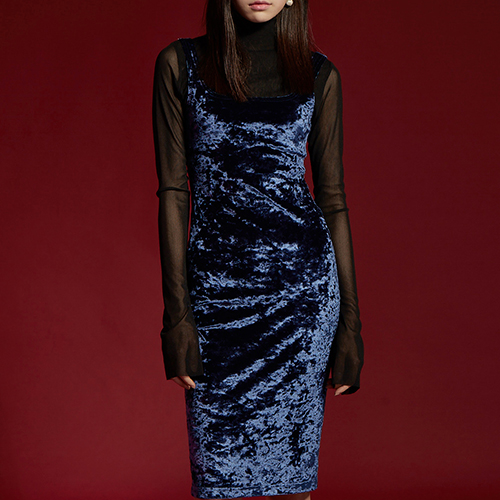 VELVET DRESS - NAVY BACK BUTTON