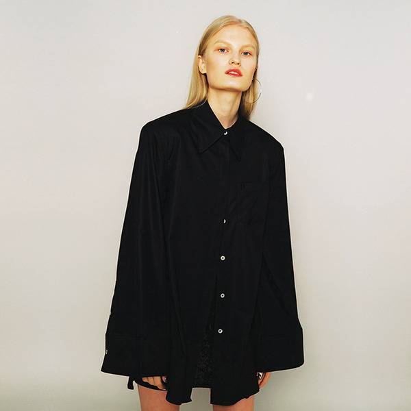 BIG SHOULDER SHIRT - BLACK