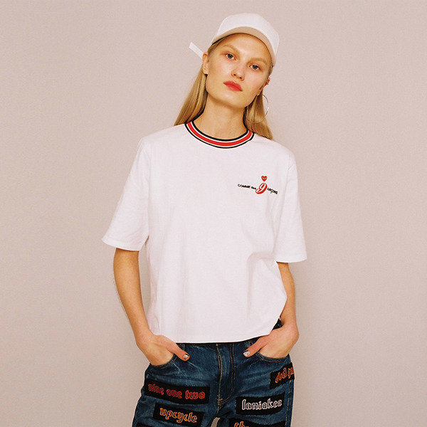 BLACK LOGO PARADY T-SHIRT - WHITE
