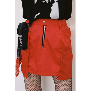 WINDBREAKER SKIRT - RED