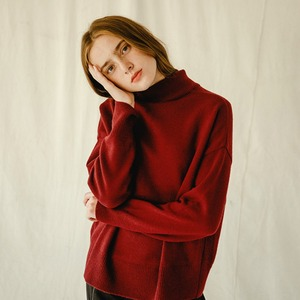 CASHMERE TURTLENECK (WINE)