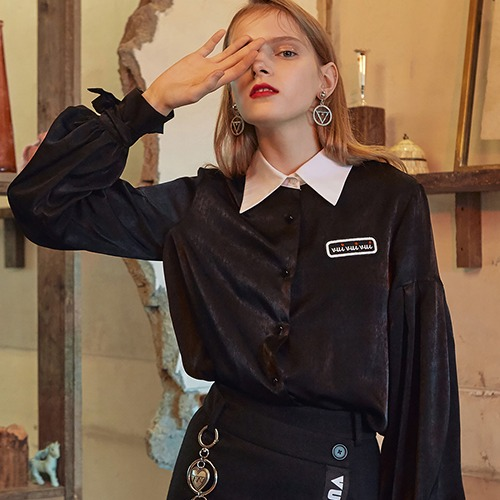 VVV BLACK LOGO RIBBON BLOUSE