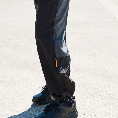 COLORATED JOGGER PANTS_BLACK