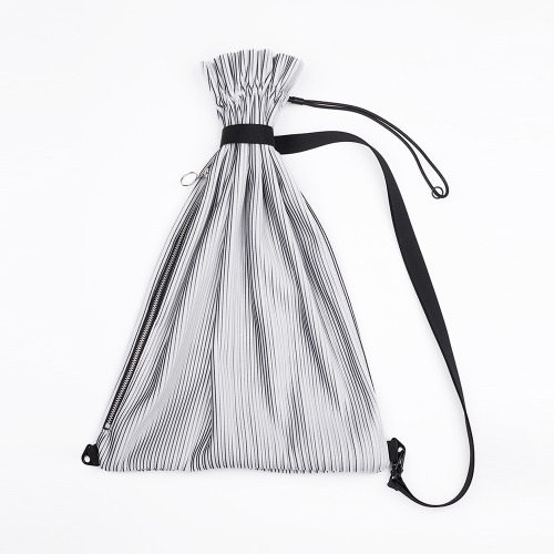 Pleats sling backpack White