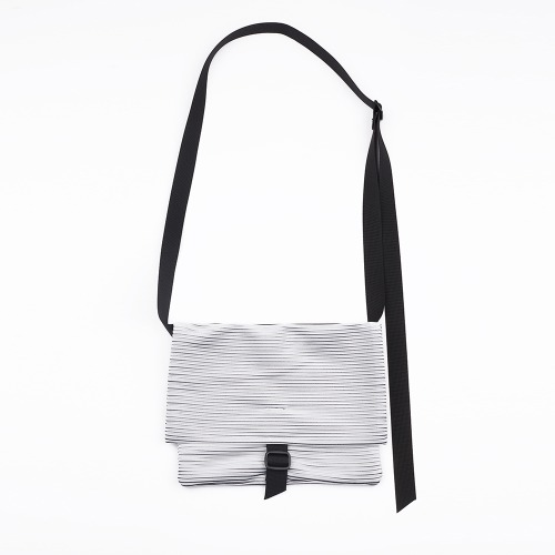 Pleats sacoche bag White