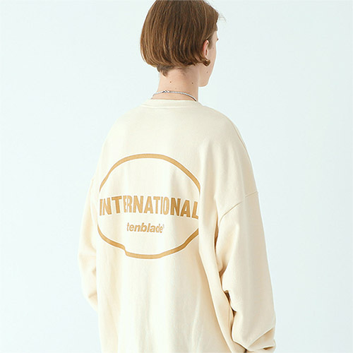 international sweat shirt cream