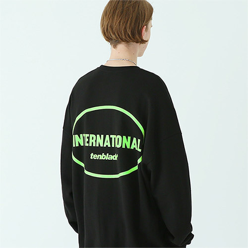 international sweat shirt black