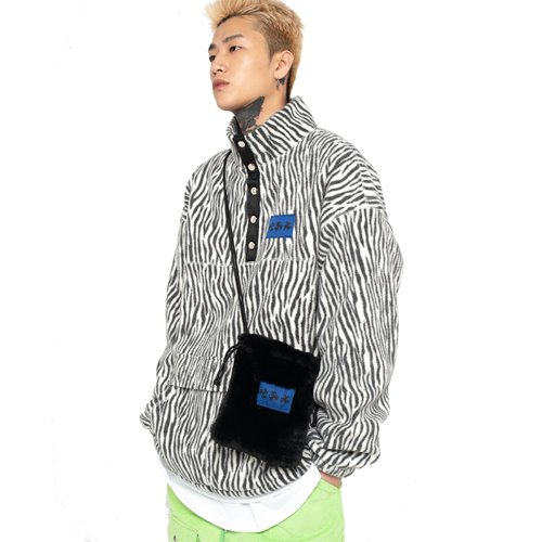 셋업이엑스이 ZEBRA FLEECE ANORAK - WHITE